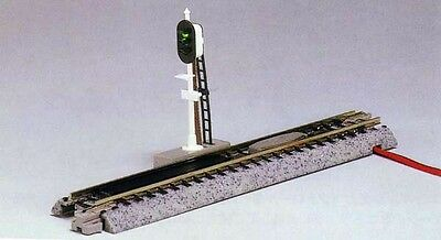 """Kato 20-605 124mm (4 7/8"""") Automatic 3 color Signal (1 piece) (N scale)"""