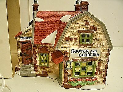 Dept 56 Dickens Village Booter & Cobbler Shop #5924-2 Lighted House