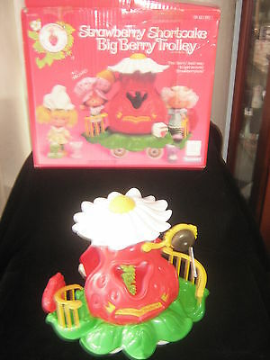 Vintage Strawberry Shortcake Big Berry Trolley Boxed 1980