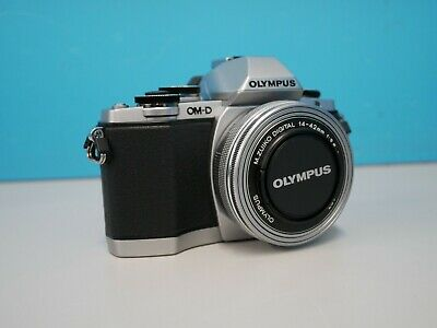 "Olympus E-M10 3"" Screen - Black/Silver (RES(466460)"