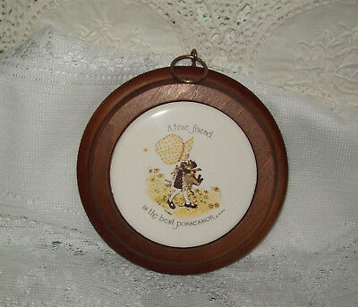 """Holly Hobbie Yellow 11.5cm Wall Hanger with Wood Frame 1974 """"A True friend ...."""