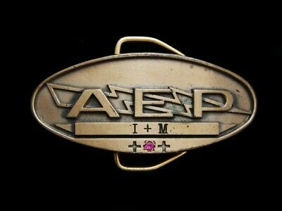 NB07103 VINTAGE 1970s **A.E.P I + M** COMPANY SOLID BRASS BELT BUCKLE