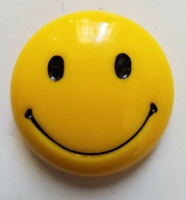 Yellow Smiley Face 3-Dimensional Magnet - 1970s Have a Nice Day!