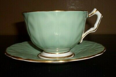Aynsley Bone China Green with Pink Rose & Gold Trim Tea Cup & Saucer   England