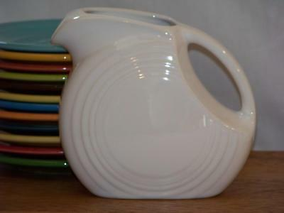 Fiesta WHITE Post 86 Small JUICE DISK Pitcher Discontinued Item 1st Quality