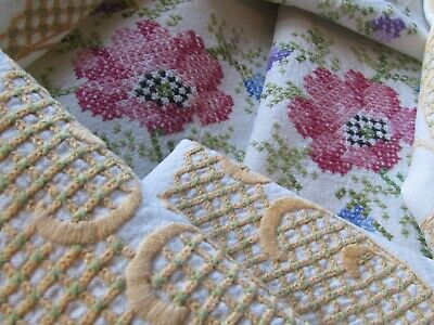 Vintage Hand Embroidered Linen Tablecloth with Lace Edging-BEAUTIFUL DETAIL