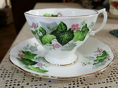 ROYAL ALBERT Ivy Vine Floral TEACUP & SAUCER set English Bone China