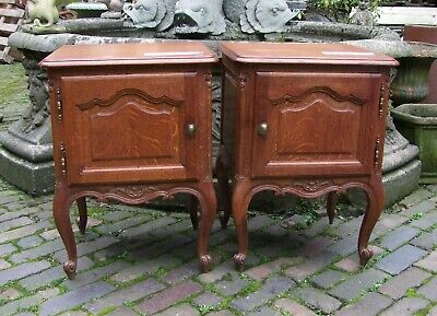Louis Xv Style French Pair Of Carved Oak Bedside Cabinets - (Cobbc73)