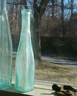 """Applied Lip 6 Sided Arched Sunken Panels Peppersauce Bottle 8 1/2""""Small Size"""