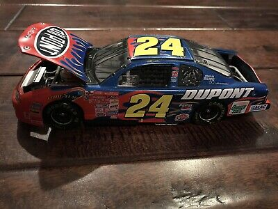 Jeff Gordon Chevrolet >> Action 2001 24 Dupont Flames Jeff Gordon Chevrolet Monte Carlo