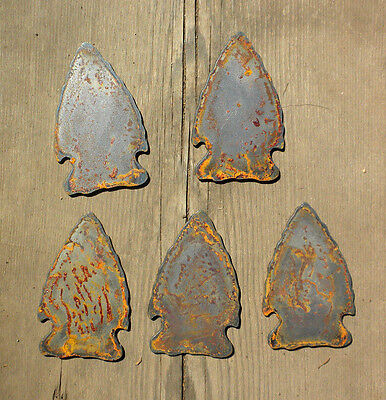 "Lot of 5 Arrowheads 3"" Rough Rusty Metal Art Craft Vintage Stencil Ornament"