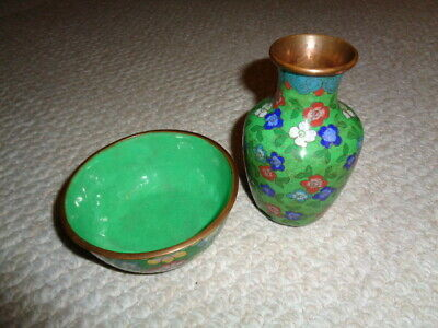 Antique cloisonne vase small bowl chinese brass edges green base blue red flower