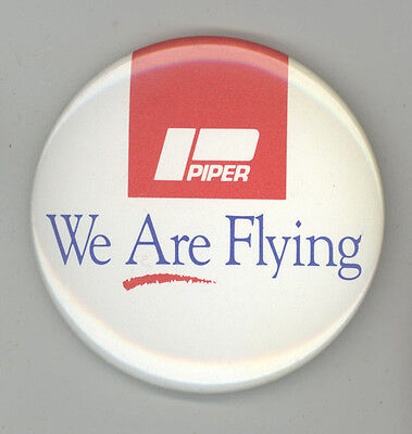 PIPER AIRCRAFT Vintage PINBACK Pin BUTTON Badge PLANES Plane FLYING Aviation