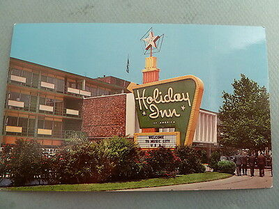 Holiday Inn Motel Capitol Hill NASHVILLE TENNESSEE TN Vintage Postcard BIG SIGN