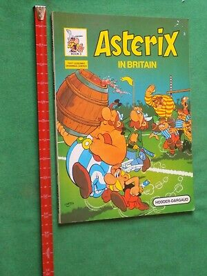 vintage 1983 Asterix in Britain large paperback graphic novel book 3