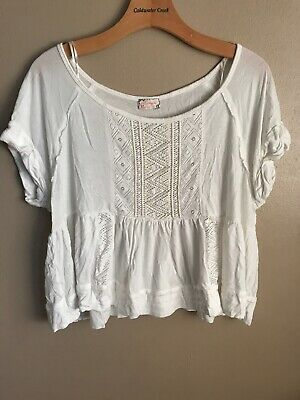 56695a81a78663 Free People Boxy Cropped Peplum Top Short Sleeve Lace embellished Size M