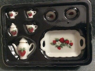 Dolls House - Coffee Set In A Strawberry & White  Pattern  - Kitchen 1.12 Scale