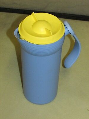 **LOOK** Nice Cond TUPPERWARE Twist N Pour Blue Yellow JUG Pitcher FREE UK P+P