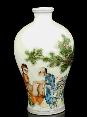 China Large Size Old Handwork Painting Human Body Art Porcelain Snuff Bottle