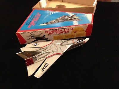 Flugzeug GRUMMAN F 111 A JET FIGHTER TIN TOY NOMURA T.N. Japan Originalkarton