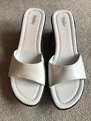 a48aee995023 Mossimo Supply Co Womens Ladies Wedge Heel White Leather Shoes Size 8  SANDALS