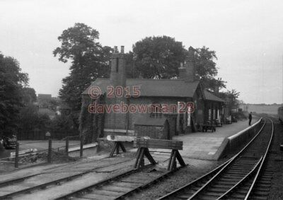 Photo  Baldock Railway Station Lner  1950'S View Great Northern Railway (Gnr)