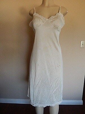 GREAT FIND!!! Vintage Deena  SEXY Ivory White NYLON LACY FULL SLIP Size 36