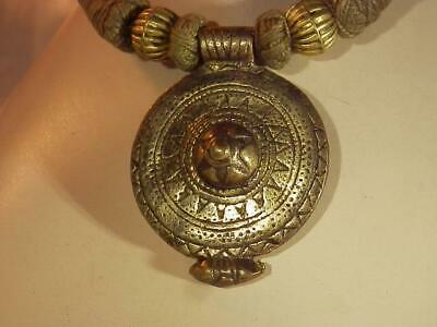 Chunky Vintage 1980's Brass Medallion Army Green Rope Necklace 453J9