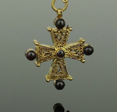 LOVELY ANCIENT BYZANTINE GOLD & GARNET CROSS CIRCA - 9th Century AD  032