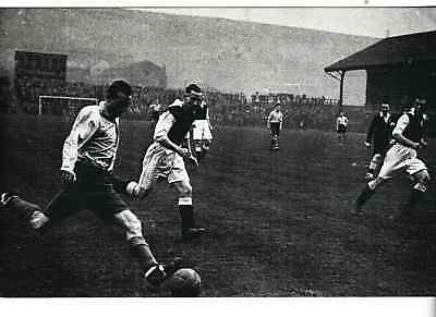 Football - Stanley Matthews playing for RAF, 1943 - Nostalgia post card