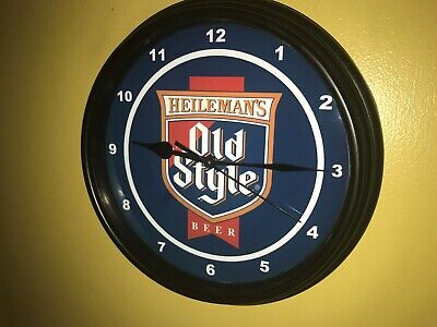 Heileman's Old Style Chicago Beer Bar Man Cave Advertising Black Wall Clock Sign