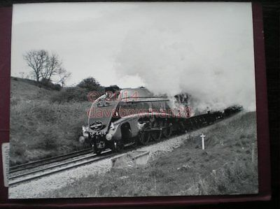 Photo  10 X 8 Inch Lner A4 Loco No 4498 'Sir Nigel Gresely' With 'The Scarboroug