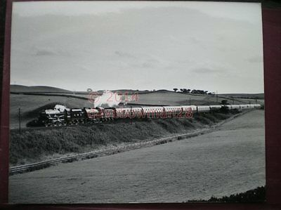 Photo  10 X 8 Inch Lner Loco 2005 & Lms 5407  With 'The North Eastern' At Upper