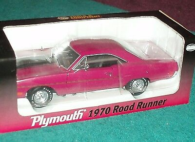 "Crown Premiums 1970 Plymouth Road Runner ""Napa Tools"" Moulon Rouge 1/24 Rare!!"
