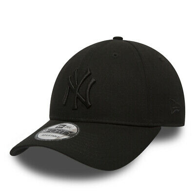 New Era 9FORTY MLB New York Yankees Black on Black Curved Peak Hat Baseball Cap