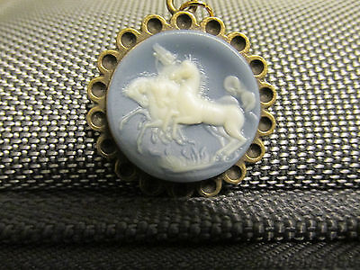 4 WHITE HORSES NECKLACE ...cameo intaglio vintage resin horses