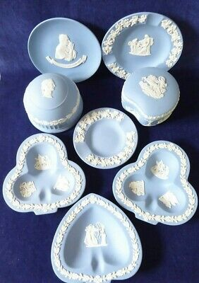 Mixed lot of 8 pieces of Wedgwood blue Jasperware  ##REC66BS