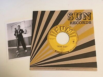 Rufus Thomas Jr. / Bear Cat & Walking In The Rain  / Mint US SUN/TMR 45