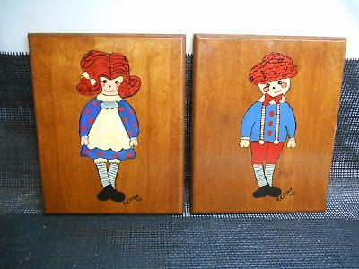 2 Old Vtg 1972 RAGGEDY ANN & ANDY Hand Painted WOOD WALL PLAQUE Artist EC. Ryan