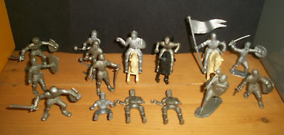 Marx medieval playset figures silver knights and one black and two cream horses