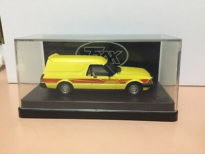 Trax 1/43 Tr70C.ford Xd Falcon Sundowner Panel Van.blaze Yellow.