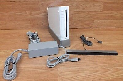 Nintendo Wii (RVL-001) White System / Console With Power Supply Bundle (NTSC)