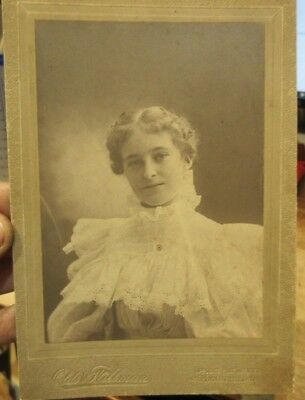 1880s Antique Old Cabinet Photo Picture Mansfield Ohio Young Woman BIG LACE Top