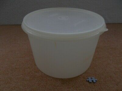 VINTAGE RETRO TUPPERWARE - LARGE WHITE STORAGE CONTAINER WITH LID - 24cm (ref#B)