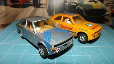 SCALEXTRIC 2 x FORD ESCORT XR3i Cars - With New Rear Tyres !