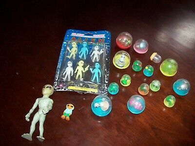 Vending Gum Ball Machine Alien & Imperial Aliens Street Player Lot 23 Figures
