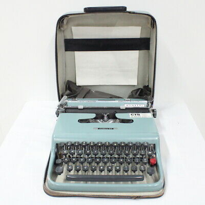 "Vintage 1963 Olivetti ""Lettera 22"" Typewriter & Carry Case #209"