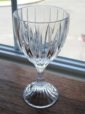 Mikasa Crystal  Clear Glass PARK LANE Water Goblet (din-ok)