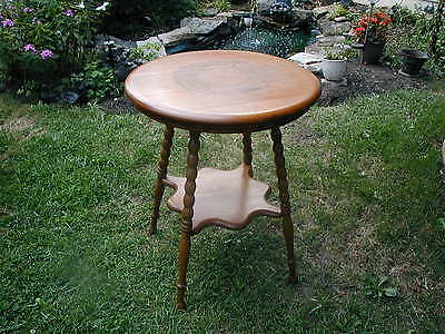 Rare Antique Etched Small Round Oak Table With Bottom Shelf Refinished Foyer