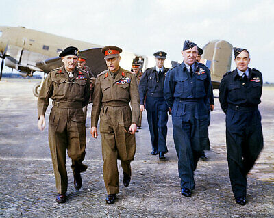 KING GEORGE VI AND ROYAL AIR FORCE OFFICERS 16x20 SILVER HALIDE PHOTO PRINT